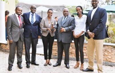 De D à G: Manzi Kayihura, Chairman of EATP, Belise Kariza (RDB), Carmen Nibigira EATP, Bonifence Byamukama EATP/ (UTA), Jonathan M.Koinangi: (KTB)