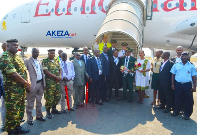 Group photo : airport authorities and Ethiopian Airlines Burundi Team and A350 XWB crew