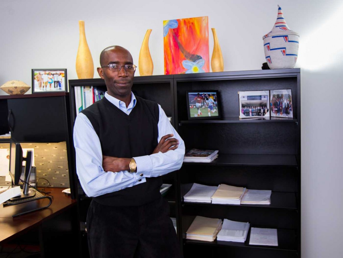 Burundian in the Diaspora: Meet Distinguished Professor Léonce NDIKUMANA, a sought-out scholar from Burundi in the USA!